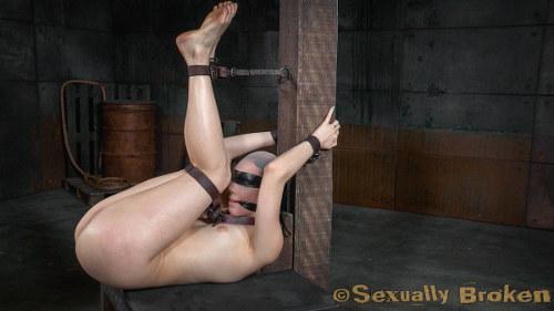brunette babe bondage